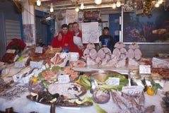 Ballaro Palermo som säljer fisken Arkivfoto