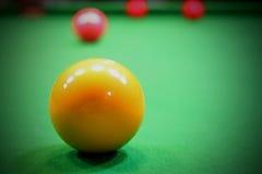 Ballbillardpool im Snookerspiel Stockfotos