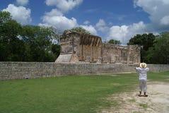 Ballcourt в Kukulcan, Chichen Itza, Мексика Стоковое Изображение RF