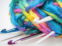 Balle de filé avec des crochets Images libres de droits