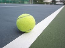 Balle de tennis Photos stock