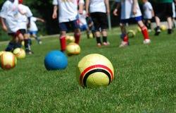 Ballen en jongens Stock Foto