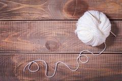 Ballen van garen voor het breien stock afbeeldingen