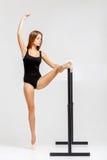 Ballerina στη μαύρη εξάρτηση Στοκ Εικόνα