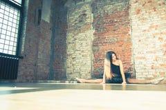 Ballerina dansen binnen, wijnoogst Gezond levensstijlballet stock afbeeldingen