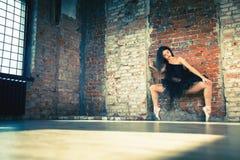 Ballerina dansen binnen, wijnoogst Gezond levensstijlballet stock foto's