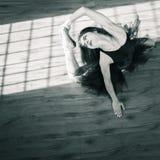 Ballerina dansen binnen, wijnoogst Gezond levensstijlballet stock afbeelding