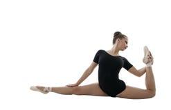 ballerina Den härliga flickan poserar under repetition Fotografering för Bildbyråer
