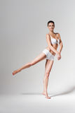 Ballerina di dancing in biancheria intima bianca Immagini Stock Libere da Diritti