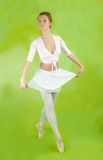 Ballerina, die einen Tanz durchführt Lizenzfreie Stockbilder