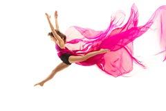 ballerina Junges würdevolles weibliches Balletttänzertanzen über weißem Studio Schönheit des klassischen Balletts lizenzfreies stockbild