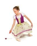 Ballerina-Mädchen im Erwägungsgrunden-Kostüm Lizenzfreie Stockfotografie