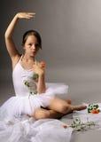 Ballerina mit Rosen stockfoto