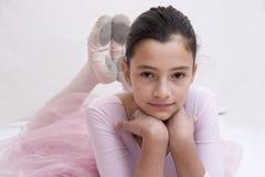 Ballerina in roze stock fotografie