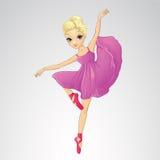 Ballerina-Tanzen im purpurroten Kleid Stockbild