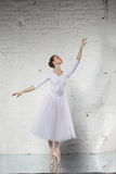 ballerina in wit royalty-vrije stock foto's