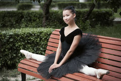 Ballerinazitting in spleten Royalty-vrije Stock Fotografie
