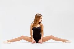 Ballerine dans l'équipement noir Photographie stock libre de droits