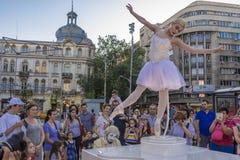 Ballerine sur l'étape de rue Photographie stock libre de droits