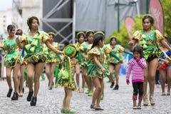 Ballerini che eseguono per l'apertura del Salta, Argentina di carnevale Fotografia Stock