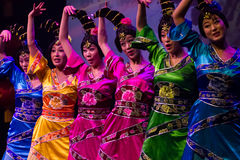 Ballerini cinesi. Troupe di arte di Zhuhai Han Sheng. Fotografie Stock