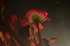 Ballerini con i fan Fotografia Stock