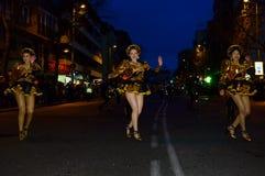 Ballerini dalla grande parata di carnevale 2016 a Madrid, Spagna immagini stock libere da diritti
