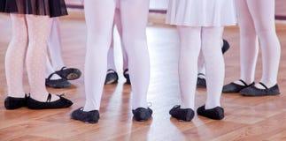Ballerini di balletto, gambe immagini stock
