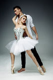 Ballerini femminili e maschii Fotografie Stock Libere da Diritti