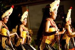 Ballerini tradizionali di balinese (donne) immagini stock