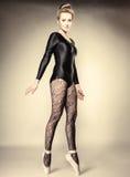 Ballerino di balletto grazioso della donna integrale immagine stock