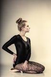 Ballerino di balletto grazioso della donna integrale immagini stock