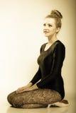 Ballerino di balletto grazioso della donna integrale fotografie stock libere da diritti