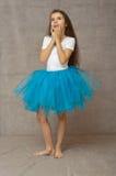 Ballerino di balletto teenager con l'emozione della sorpresa immagine stock libera da diritti