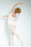 Ballerino di balletto. Treno nello studio. Immagini Stock Libere da Diritti