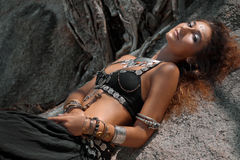 Ballerino tribale della donna all'aperto Fotografia Stock Libera da Diritti