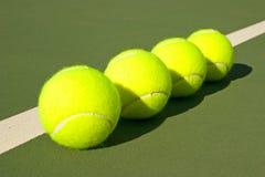 Balles de tennis jaunes - 13 Image libre de droits