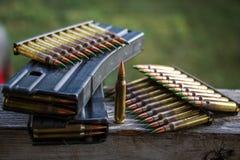 balles et magazines photographie stock libre de droits