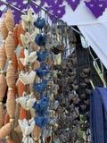Balles naturelles faites main colorées de coton images libres de droits