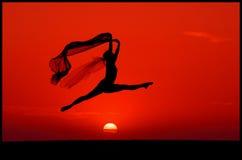 Ballet au coucher du soleil images stock