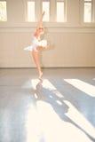 Ballet de la mujer joven Foto de archivo