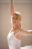 Ballet de la mujer joven Fotografía de archivo
