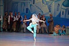 Balletdanser Katerina Kukhar die tijdens ballet Corsar dansen royalty-vrije stock afbeeldingen