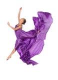 Balletdanser in vliegende satijnkleding Stock Afbeeldingen