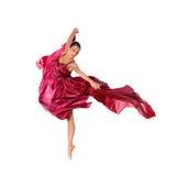 Balletdanser in vliegende satijnkleding Stock Fotografie