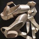 Balletpantoffels met ribbone Stock Foto's