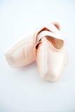 Ballett-Punkt-Schuhe oder Hefterzufuhren Stockfotografie