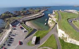 Ballintoy schronienie Północny - Ireland fotografia royalty free