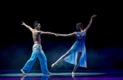 Ballo amante-moderno di luce della luna Immagini Stock Libere da Diritti
