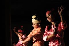 Ballo birmano tradizionale Fotografie Stock